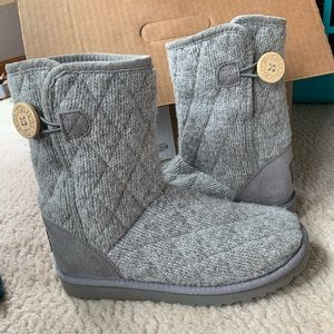Ugg Knit Grey Bailey Button Size 7